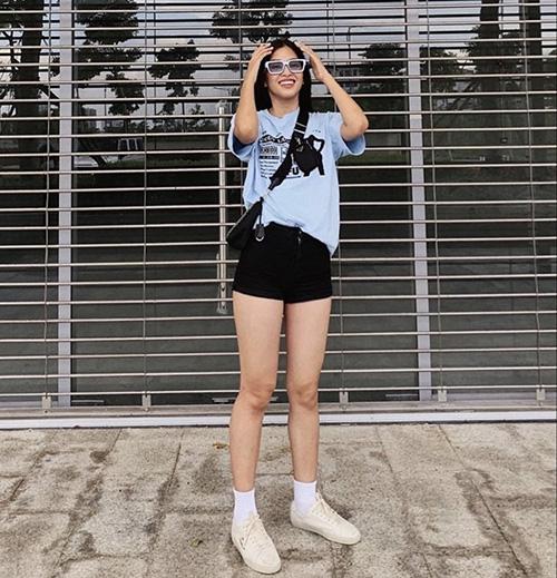 Diện quần short đẹp và đơn giản như sao Việt - Ảnh 2.