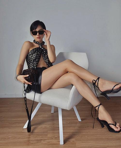 Diện quần short đẹp và đơn giản như sao Việt - Ảnh 8.