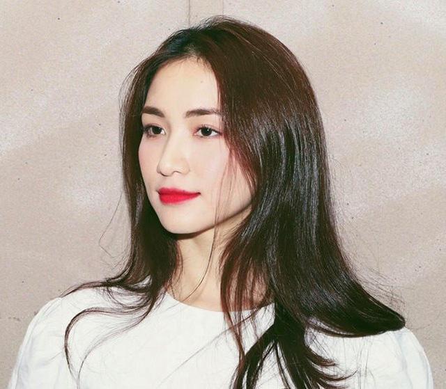 Ca sĩ Hòa Minzy bị phạt 7,5 triệu đồng vì đăng tin sai lệch về dịch COVID-19 ở Đà Nẵng - Ảnh 1.