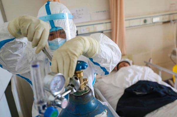 Bệnh nhân COVID-19 số 437 tử vong vì sốc nhiễm trùng trên nền bệnh lý nặng - Ảnh 2.