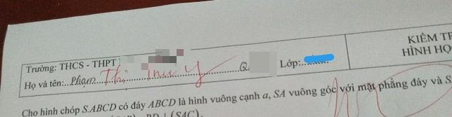 Thấy học trò điền thiếu tên trong bài kiểm tra, giáo viên vội ra tay giúp đỡ nhưng cách viết khiến trò chỉ muốn độn thổ - Ảnh 1.