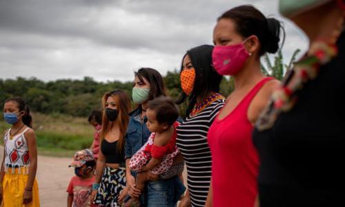 Gia đình tị nạn bán con gái vào nhà thổ với giá 1 USD - Ảnh 1.