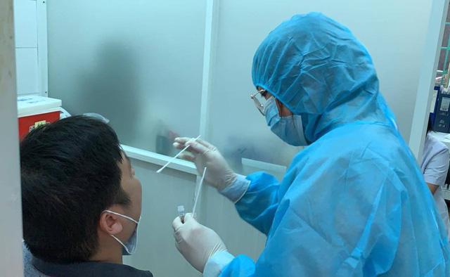 Chuyên gia khuyến cáo những điều cần thiết bảo vệ sức khỏe khi dịch quay lại - Ảnh 1.