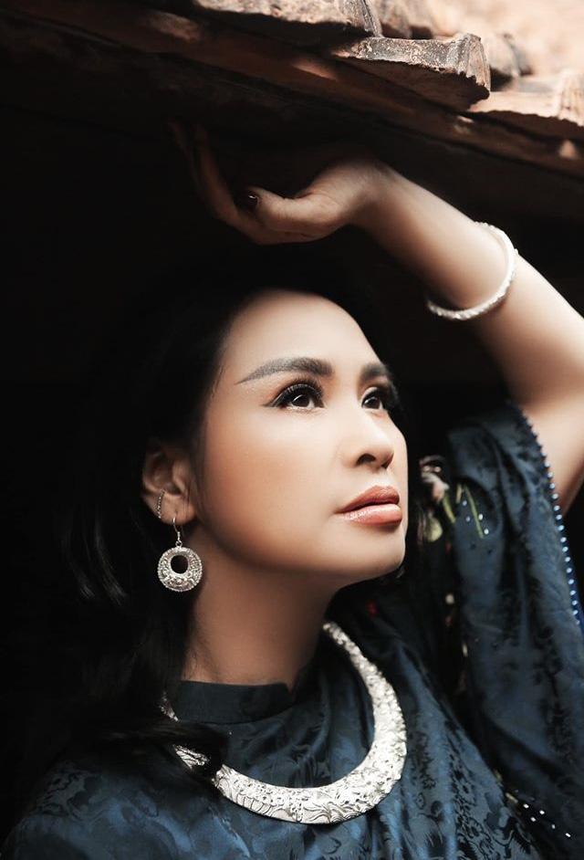 Đời tư diva Việt: Thanh Lam, Hồng Nhung tuổi 50 vẫn yêu nồng nhiệt - Ảnh 5.
