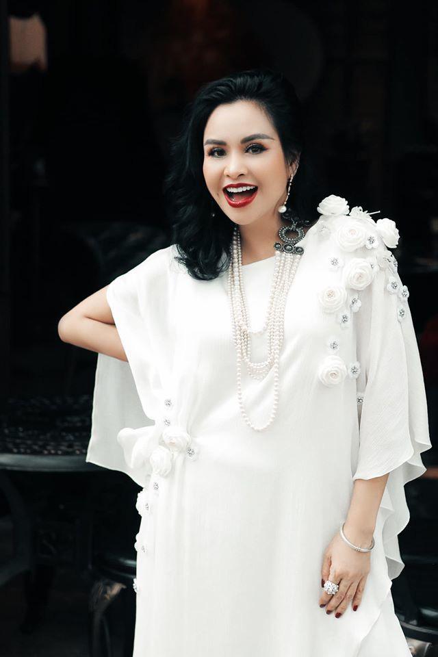 Đời tư diva Việt: Thanh Lam, Hồng Nhung tuổi 50 vẫn yêu nồng nhiệt - Ảnh 7.