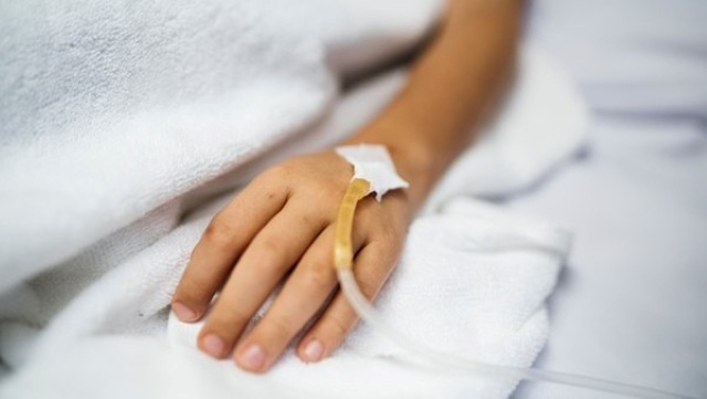 Sau khi sốt cao, chàng trai trẻ phải chạy thận cả đời: Bác sĩ nhắc nhở nếu đi tiểu buổi sáng có biểu hiện này thì cần cảnh giác nguy cơ mắc bệnh thận - Ảnh 1.
