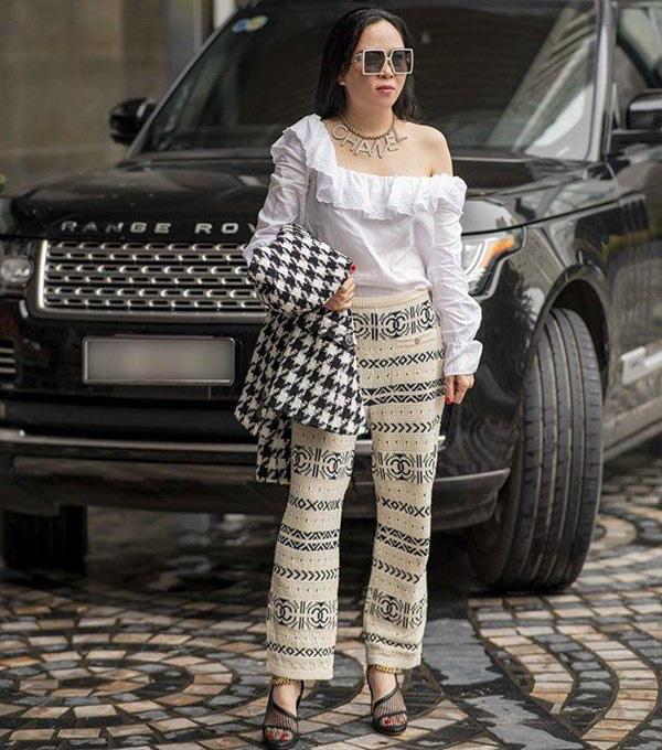 Bất chấp thân hình mũm mĩm, Phượng Chanel vẫn đam mê diện áo bẹt vai, hoá ra là có chiêu - Ảnh 5.