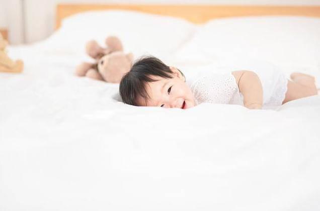 Trẻ sơ sinh có 3 thói quen này khi ngủ chứng tỏ não bộ đang phát triển cực tốt - Ảnh 2.
