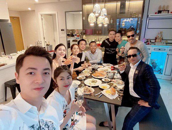 Căn hộ mới tậu của ca sĩ Lê Hiếu sang chảnh như khách sạn năm sao - Ảnh 3.