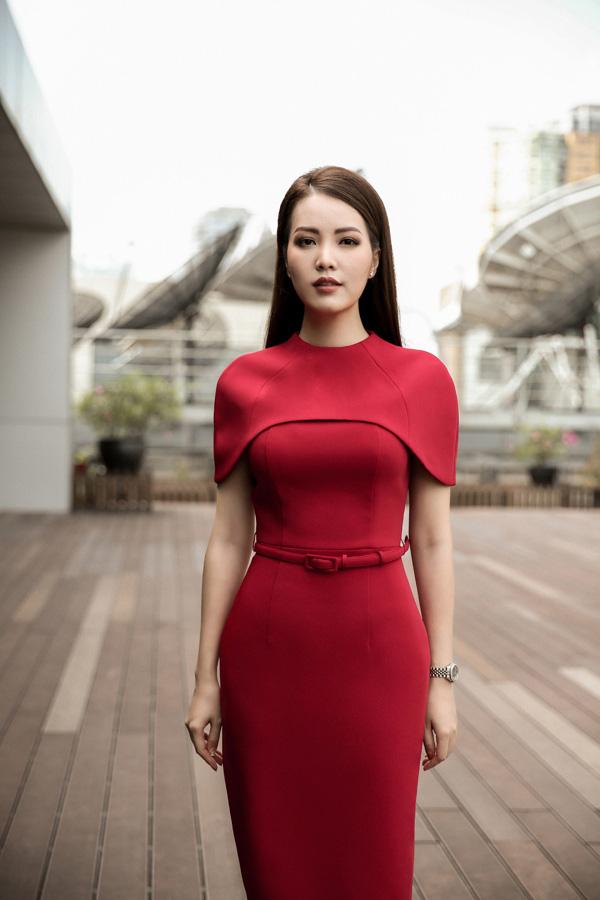 Nhan sắc rực rỡ của 3 nữ giám khảo Hoa hậu Việt Nam 2020 - Ảnh 11.