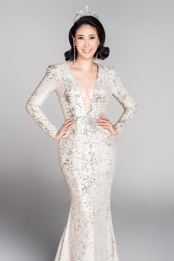 Nhan sắc rực rỡ của 3 nữ giám khảo Hoa hậu Việt Nam 2020 - Ảnh 4.
