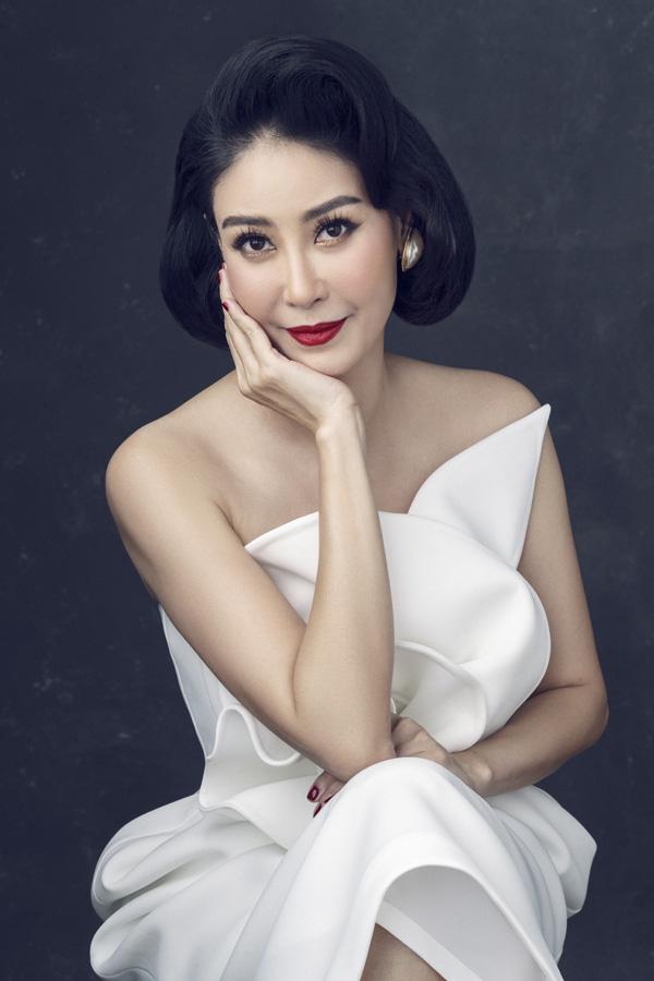 Nhan sắc rực rỡ của 3 nữ giám khảo Hoa hậu Việt Nam 2020 - Ảnh 1.
