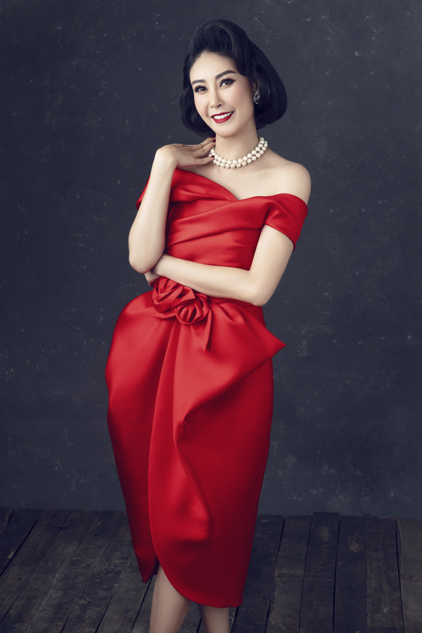 Nhan sắc rực rỡ của 3 nữ giám khảo Hoa hậu Việt Nam 2020 - Ảnh 2.