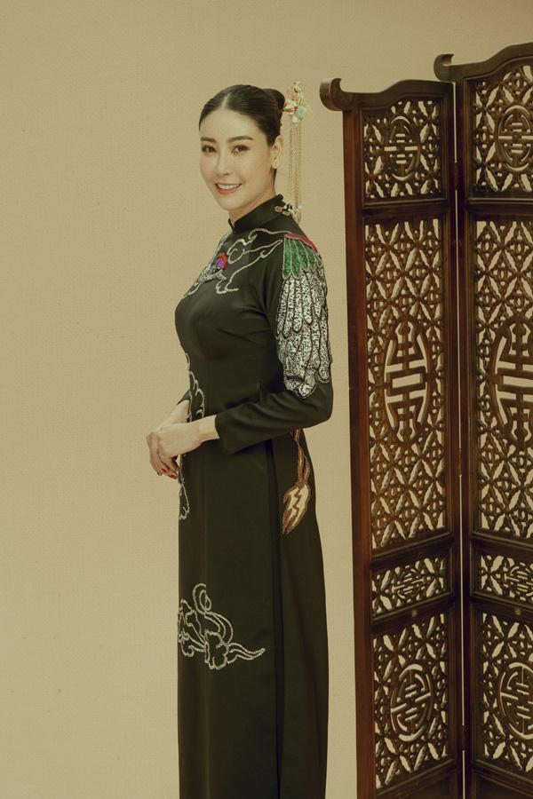 Nhan sắc rực rỡ của 3 nữ giám khảo Hoa hậu Việt Nam 2020 - Ảnh 3.