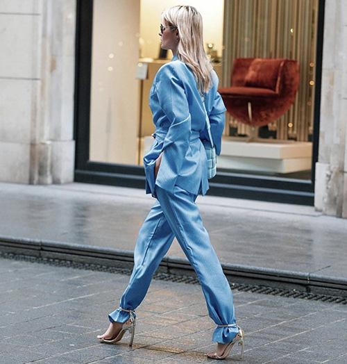 Mix đồ dạo phố cùng gam xanh hot trend - Ảnh 1.