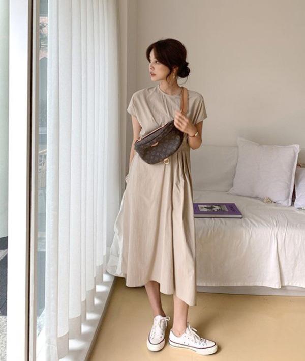 Với thời tiết hè chẳng mảy may gió của Hà Nội, đây là những trang phục phù hợp nhất cho nàng - Ảnh 2.