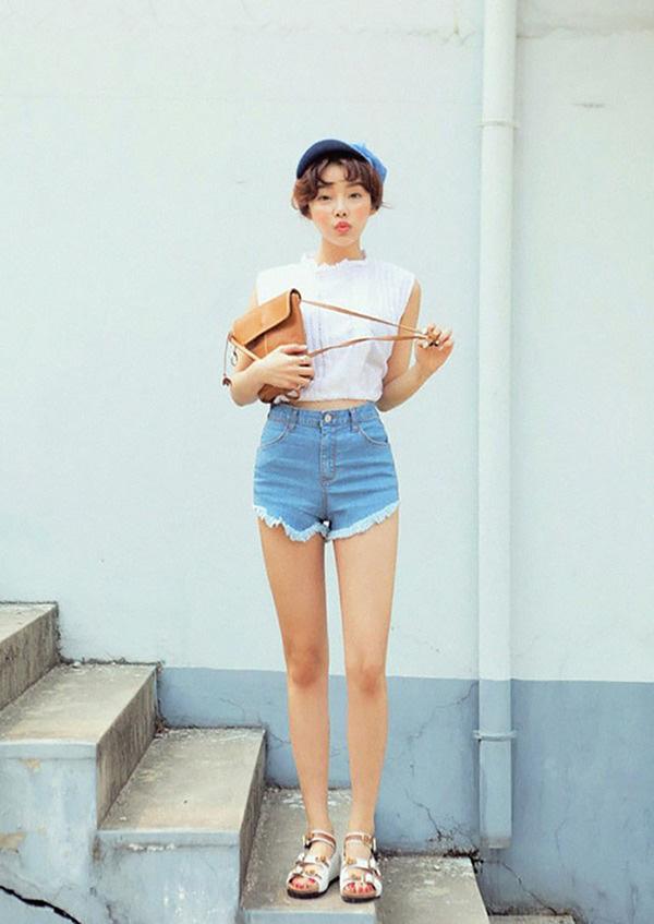 Với thời tiết hè chẳng mảy may gió của Hà Nội, đây là những trang phục phù hợp nhất cho nàng - Ảnh 15.