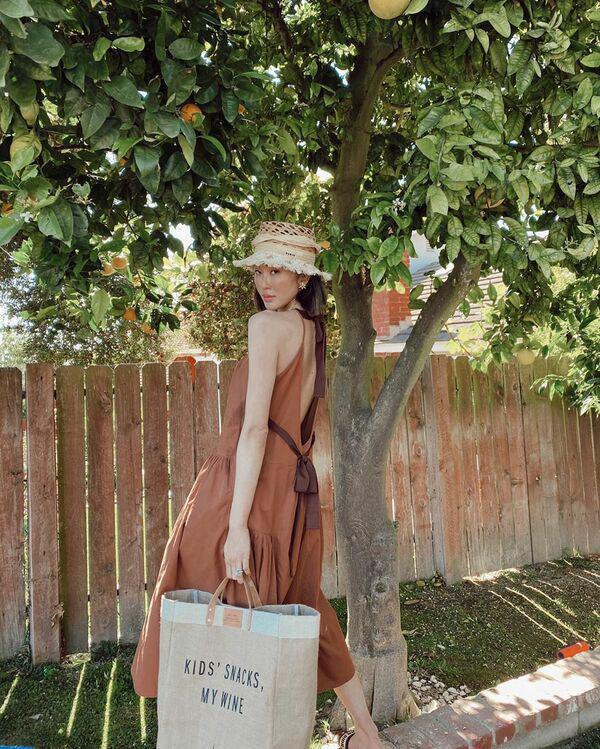 Với thời tiết hè chẳng mảy may gió của Hà Nội, đây là những trang phục phù hợp nhất cho nàng - Ảnh 3.