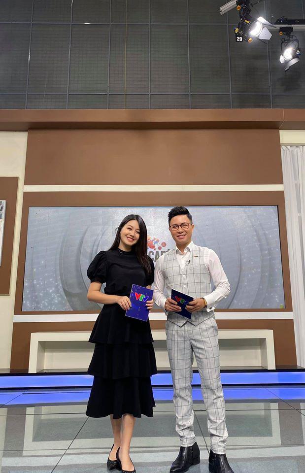 Vẻ xinh đẹp của MC Hồng Nhung Cà phê sáng - Ảnh 6.