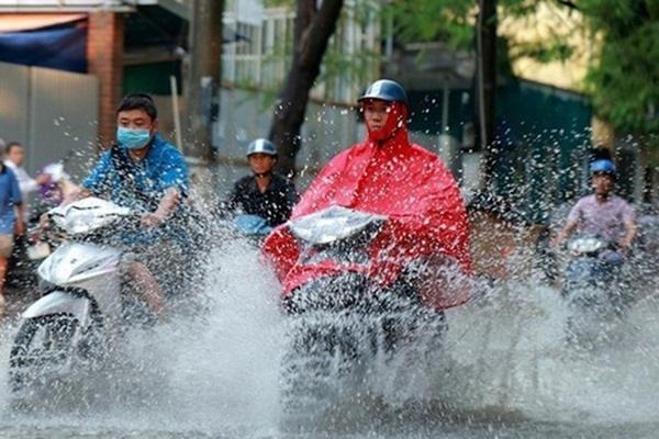 Áp thấp khả năng mạnh thành bão trên biển Đông, miền Bắc sắp đón mưa giông lớn - Ảnh 1.