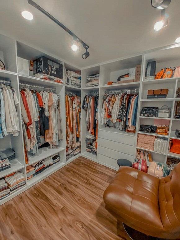 Chuyển sang căn hộ mới rộng rãi hơn, chị Mận trong Cô gái nhà người ta gây choáng với phòng chứa đồ như shop thời trang - Ảnh 5.