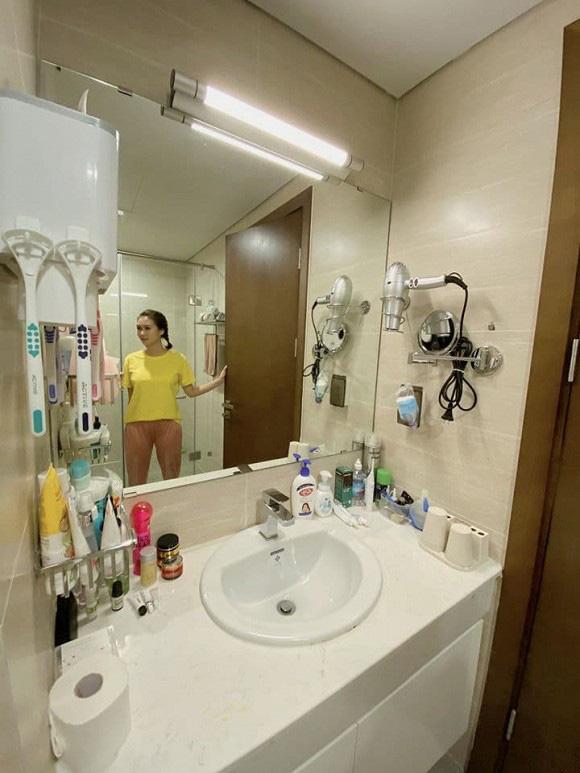 Chuyển sang căn hộ mới rộng rãi hơn, chị Mận trong Cô gái nhà người ta gây choáng với phòng chứa đồ như shop thời trang - Ảnh 11.