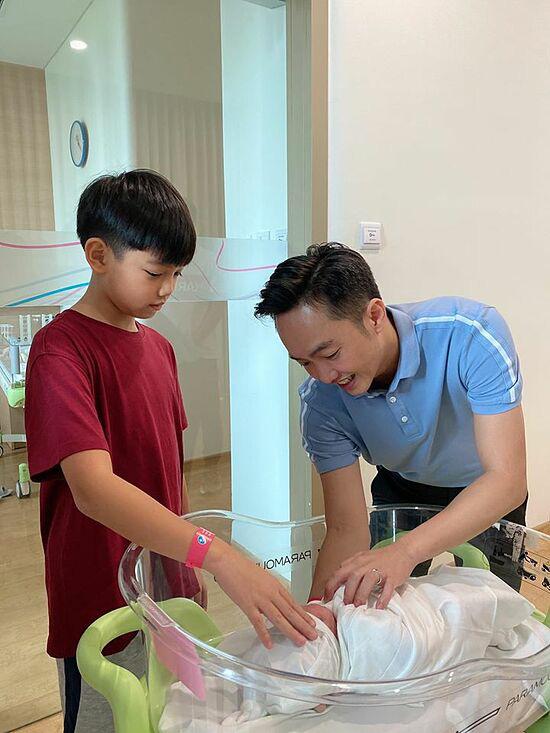 Đàm Thu Trang lộ diện sau sinh con gái - Ảnh 3.