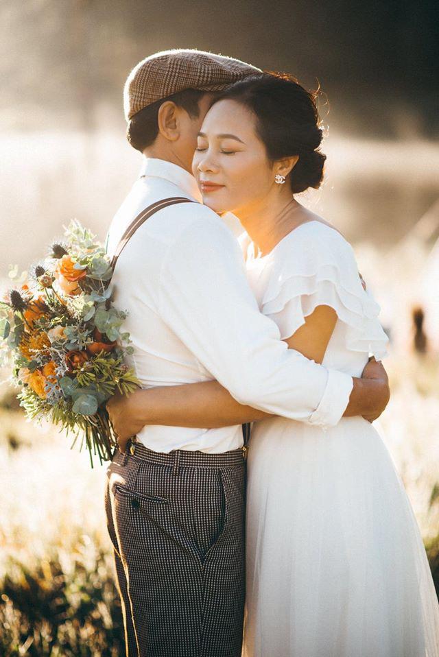 Bộ ảnh cực đặc biệt của cặp đôi U60: Những khoảnh khắc đánh liều ở Đà Lạt và nguyên tắc vàng làm nên cuộc hôn nhân hơn 2 thập kỷ - Ảnh 2.