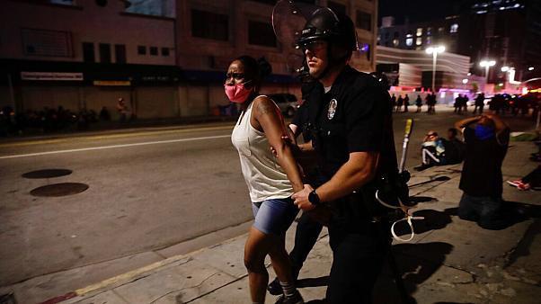 Phẫn nộ vấn nạn cảnh sát Mỹ tấn công tình dục phụ nữ - Ảnh 3.