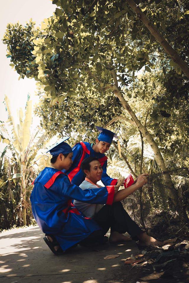 Một lớp học chịu chơi đến mức dành cả tháng trời để chụp ảnh kỷ yếu, còn gây choáng hơn khi tiết lộ kinh phí thực hiện - Ảnh 2.