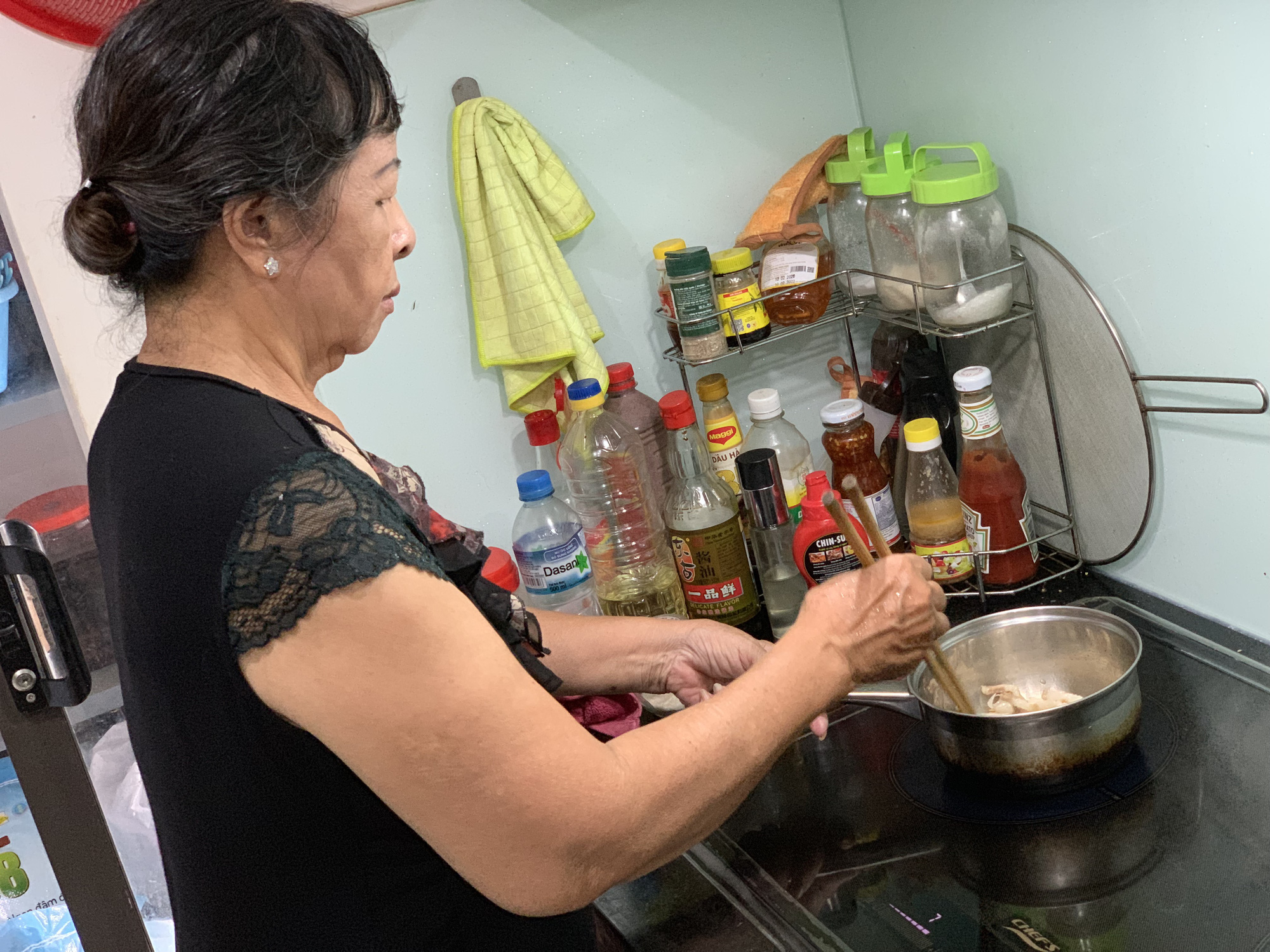 """Cuộc sống không lương hưu của hai vợ chồng """"Trọc phú Lý Hào"""" Tạ Am ở tuổi 75 - Ảnh 13."""