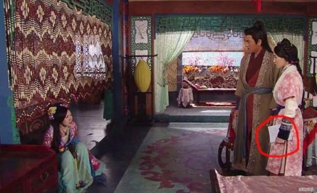 Sạn hài hước trong phim TVB - Ảnh 12.