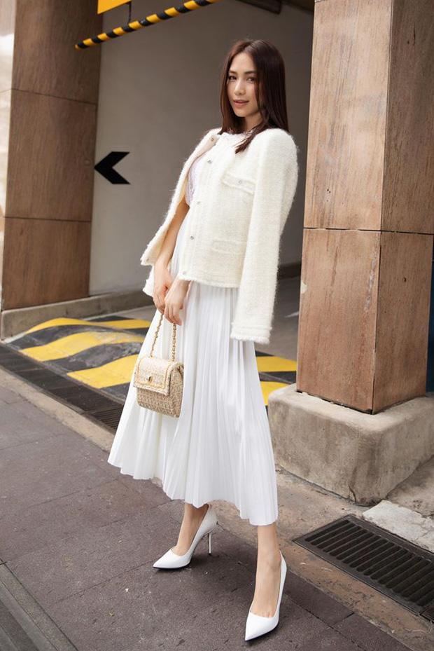 Hòa Minzy với 1 chiếc váy nhưng 2 số phận: Khi thì sang chảnh, cao ráo lúc lại vừa dừ vừa dìm dáng - Ảnh 1.