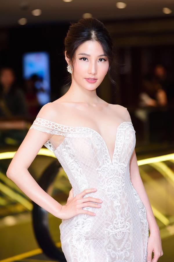 Lã Thanh Huyền - Diễm My 9X cạnh tranh nhau cả trong Tình yêu và tham vọng đến VTV Awards - Ảnh 9.