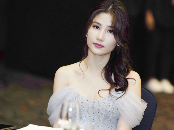 Lã Thanh Huyền - Diễm My 9X cạnh tranh nhau cả trong Tình yêu và tham vọng đến VTV Awards - Ảnh 10.