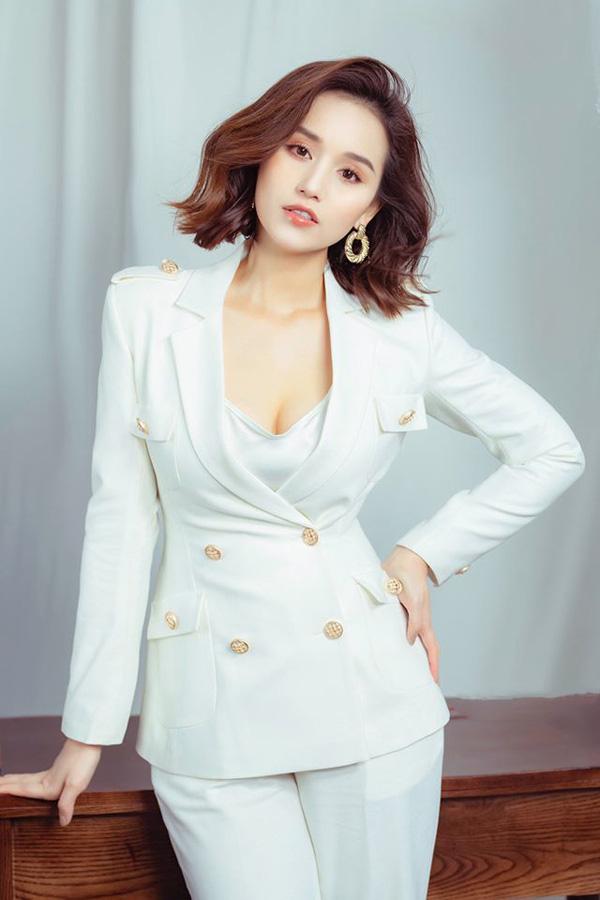 Lã Thanh Huyền - Diễm My 9X cạnh tranh nhau cả trong Tình yêu và tham vọng đến VTV Awards - Ảnh 4.