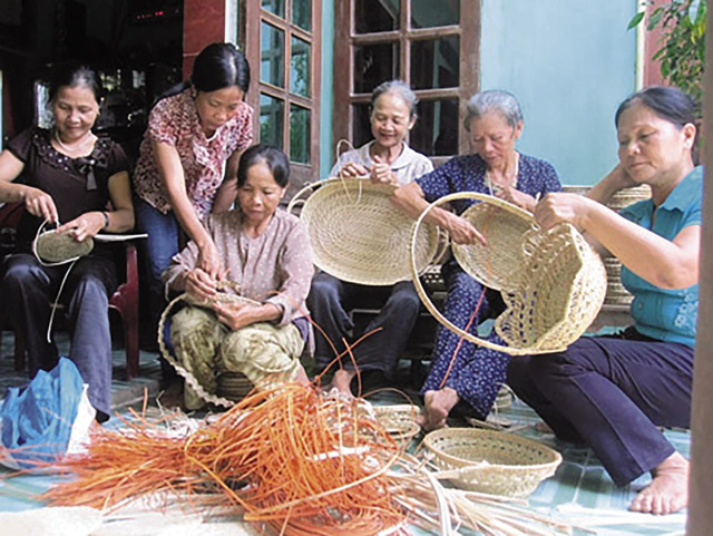 Làm thế nào để xây dựng môi trường thân thiện dành cho người cao tuổi? - Ảnh 2.
