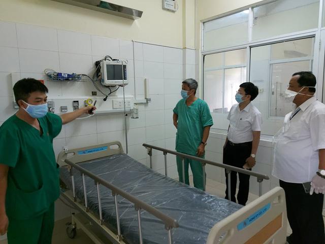 Hết sức lưu ý công tác khử khuẩn tại bệnh viện điều trị bệnh nhân nặng - Ảnh 3.
