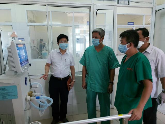Hết sức lưu ý công tác khử khuẩn tại bệnh viện điều trị bệnh nhân nặng - Ảnh 4.