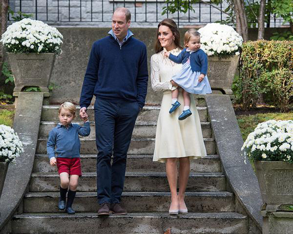Sẵn sàng ngồi xuống đòi một đứa trẻ trả đồ chơi cho con và cách dạy con đáng nể của công nương Kate Middleton - Ảnh 2.