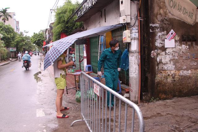 Một trường hợp sống cùng toà nhà với BN714 ở Hà Nội đã bỏ trốn - Ảnh 3.