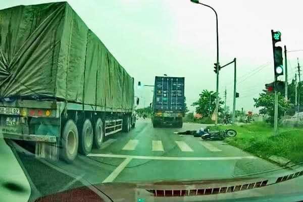 Tạm giữ hình sự lái xe container đâm chết nữ sinh rồi bỏ chạy - Ảnh 1.
