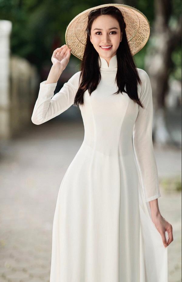 Thí sinh Hoa hậu Việt Nam 2020 sở hữu đôi chân dài 1,21m - Ảnh 1.