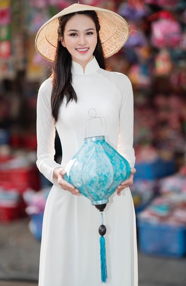 Thí sinh Hoa hậu Việt Nam 2020 sở hữu đôi chân dài 1,21m - Ảnh 2.