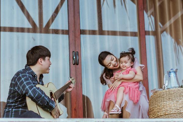 Nguyễn Ngọc Anh chính thức công khai bố của con gái nhỏ MiA trong MV mới - Ảnh 1.