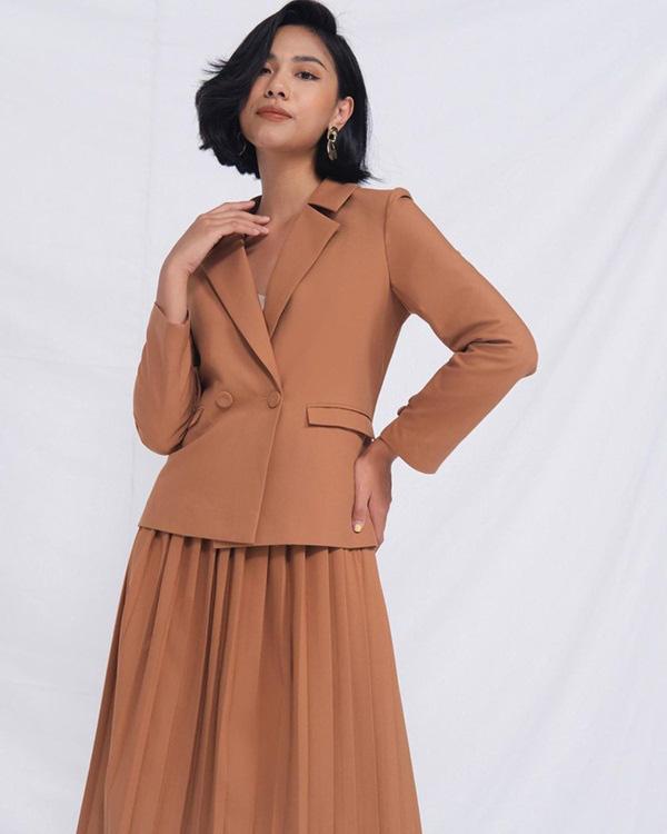 Hương Giang lúc nào cũng chanh sả nhờ diện blazer cực khéo, các nàng hóng ngay để lên hạng phong cách - Ảnh 15.