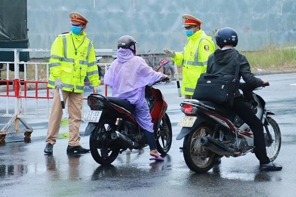 Dỡ bỏ tất cả các chốt kiểm soát người ra vào thành phố Đà Nẵng - Ảnh 2.