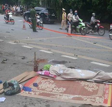 Phú Thọ: Ô tô 7 chỗ va chạm với xe máy khiến 3 người phụ nữ tử vong - Ảnh 1.