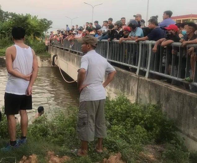 Vĩnh Phúc: Thương tâm ông cùng 2 cháu rơi xuống kênh nước trên đường về nhà - Ảnh 1.