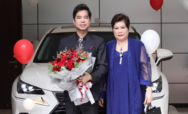 2 quý ông showbiz Việt hiếu thảo với mẹ nhưng mãi chưa lấy vợ khiến fan đồn đoán về giới tính - Ảnh 3.